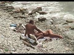 Короткое видеосекс на пляже смотреть