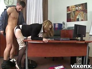 Смотреть страстный секс в офисе — photo 11