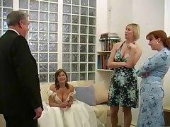 Домохозяйки порно дрочка хуя старыми секс